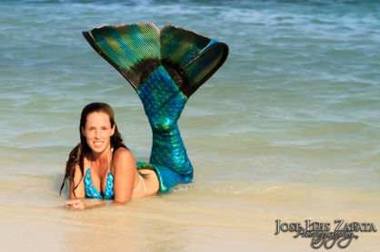 brani_paige_mermaid_belize_01_jpg_11252